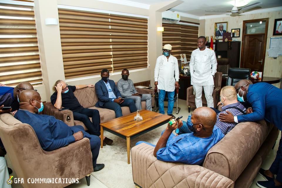 Milovan Rajevac officially meets Mustapha Ussif in Accra